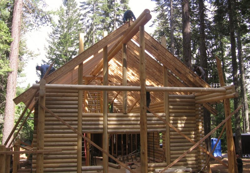 22-log-home-under-construction